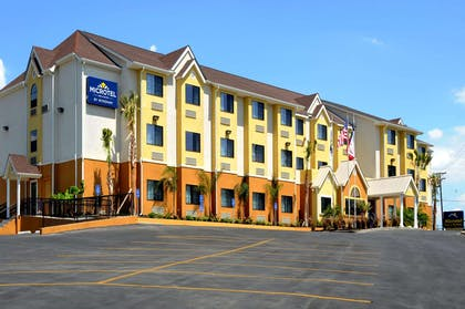 Welcome to the Microtel Inn and Suites New Braunfels | Microtel Inn & Suites by Wyndham New Braunfels