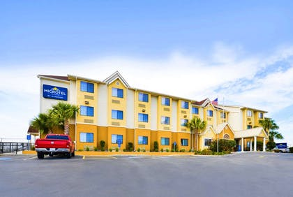 Exterior | Microtel Inn & Suites by Wyndham New Braunfels
