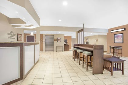 Lobby | Microtel Inn & Suites by Wyndham Manchester