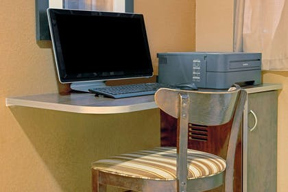 Business Center | Microtel Inn & Suites by Wyndham Council Bluffs