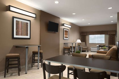 Lobby | Microtel Inn & Suites By Wyndham Fairmont