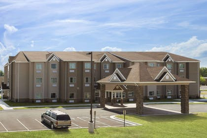 Exterior | Microtel Inn & Suites By Wyndham Fairmont