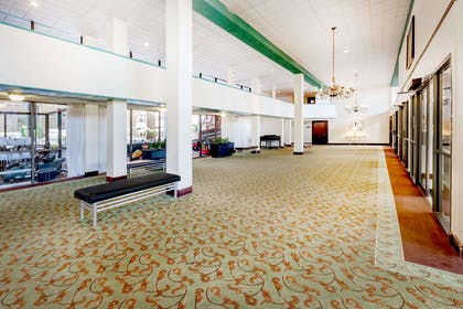 Lobby | Ramada Hotel & Conference Center by Wyndham Lansing