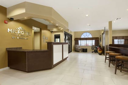 Lobby | Microtel Inn & Suites by Wyndham Round Rock