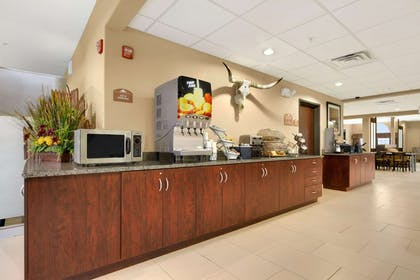 Breakfast Area | Microtel Inn & Suites by Wyndham Round Rock