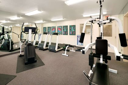Fitness Center | Days Inn & Suites by Wyndham Green Bay WI.