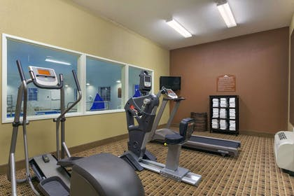 Fitness Room | Microtel Inn And Suites Minot