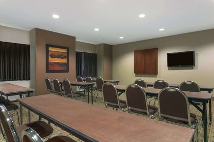 Meeting Room | Microtel Inn And Suites Minot