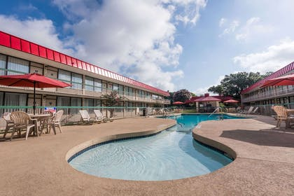 Pool | Ramada by Wyndham New Braunfels