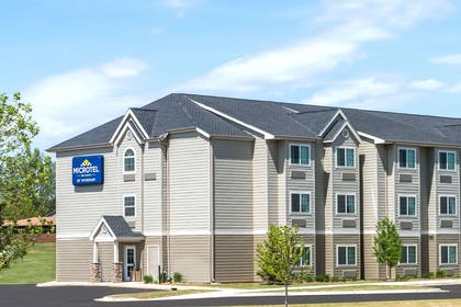 Exterior | Microtel Inn & Suites by Wyndham Dickinson