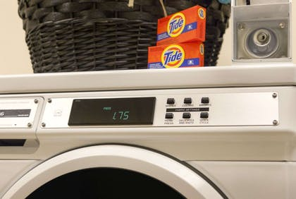 Laundry Room | Days Inn & Suites by Wyndham Altoona