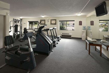 Fitness Center | Days Inn & Suites by Wyndham Omaha NE