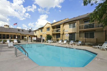 Pool | Days Inn & Suites by Wyndham Omaha NE
