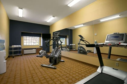 GymFitness Center   Microtel Inn & Suites by Wyndham Washington / Meadow Lands
