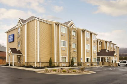 Microtel Inn And Suites by Wyndham WashingtonMeadow Lands   Microtel Inn & Suites by Wyndham Washington / Meadow Lands