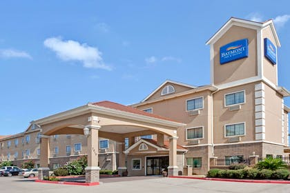 Welcome to the Baymont Inn and Suites Baytown | Baymont by Wyndham Baytown