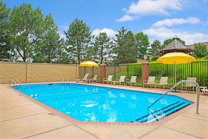 Pool | Days Inn and Suites by Wyndham St. Louis/Westport Plaza