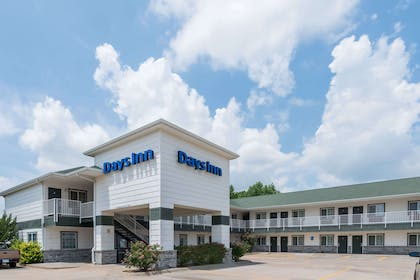 Exterior | Days Inn by Wyndham Andover