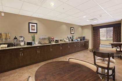 Breakfast Area | Microtel Inn And Suites Sayre PA