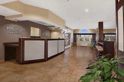 Lobby | Microtel Inn And Suites Sayre PA