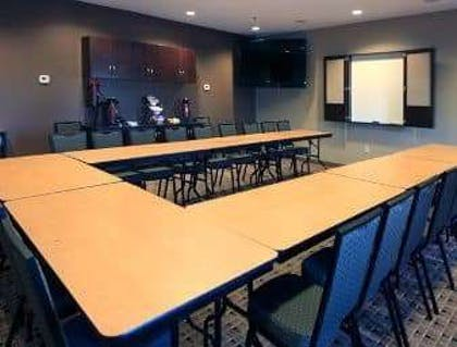 Meeting Room | Microtel Inn & Suites by Wyndham Wheeling at Highlands
