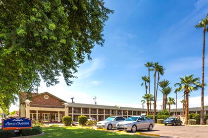 Welcome to the Howard Johnson Scottsdale Old Town | Howard Johnson by Wyndham Scottsdale Old Town