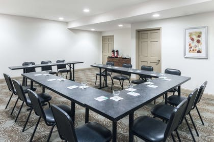 Meeting Room | Wyndham Garden Baton Rouge