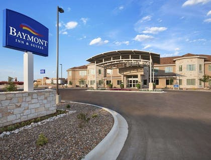 Welcome to the Baymont Inn and Suite Hobbs | Baymont by Wyndham Hobbs