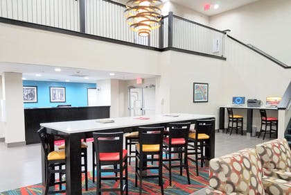 Lobby | Hawthorn Suites by Wyndham Irving DFW South