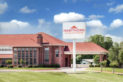 Exterior | Hawthorn Suites by Wyndham Irving DFW South