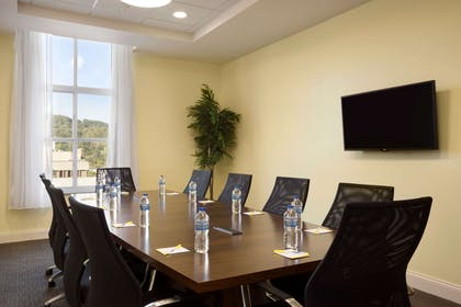 Meeting Room | Days Inn & Suites by Wyndham Caldwell