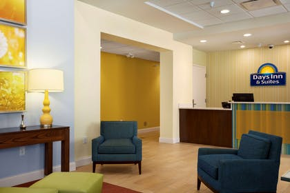Lobby | Days Inn & Suites by Wyndham Caldwell