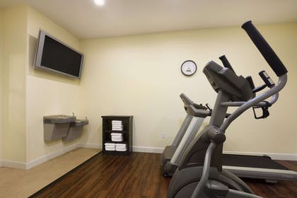 Fitness Center | Days Inn & Suites by Wyndham Galveston West/Seawall