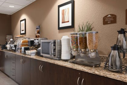 Breakfast Area | Microtel Inn & Suites by Wyndham Cotulla