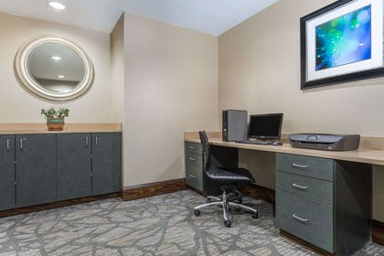 Business Center   Wingate by Wyndham High Point