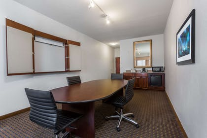 Meeting Room   Wingate by Wyndham High Point