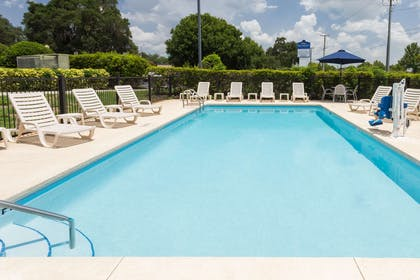 Pool | Baymont by Wyndham Lakeland