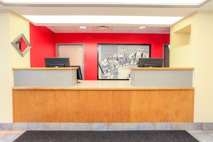 Front Desk | Super 8 by Wyndham Sault Ste. Marie