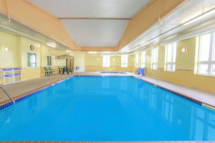 Pool | Super 8 by Wyndham Sault Ste. Marie