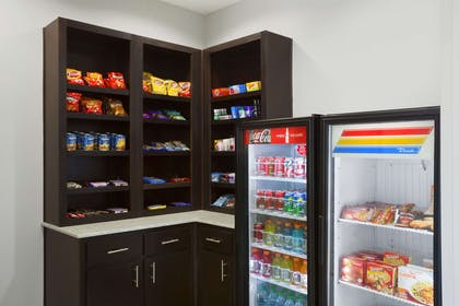 Convenience Store | Hawthorn Suites By Wyndham San Angelo