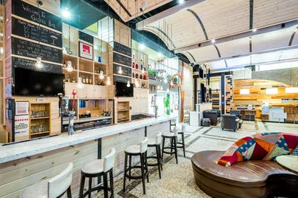 BarLounge   TRYP By Wyndham Times Square South
