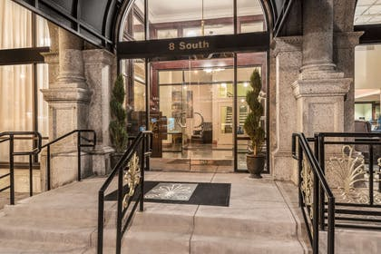 Valet - Entrance | The Mining Exchange, A Wyndham Grand Hotel & Spa