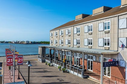 Exterior View Waterfront | Harbor House at Pier 21