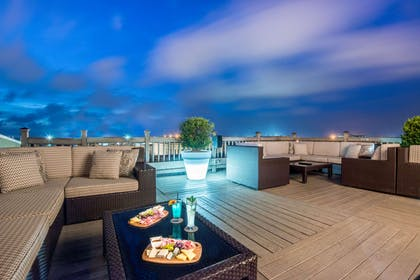 Rooftop bar | The Tremont House, A Wyndham Grand Hotel