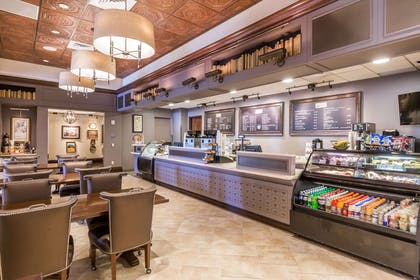 Cafe | Wyndham Grand Orlando Resort Bonnet Creek