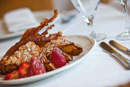 Food French Toast | Hotel Lombardy
