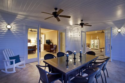 Three bedroom deluxe cottage patio area | Sunset Key Cottages