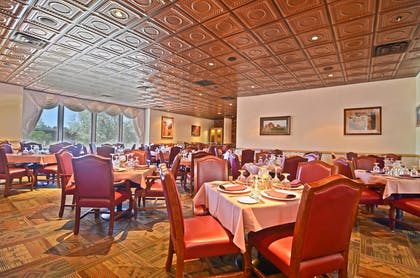 Coronado Room | Best Western Premier Grand Canyon Squire Inn