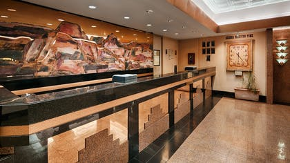 Front Desk | Best Western Premier Grand Canyon Squire Inn
