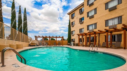 Outdoor Swimming Pool | Best Western Plus At Lake Powell